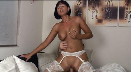 Große Titten Mama Videos