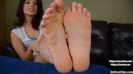 Lecken oma füße Omas Füße
